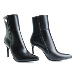 Высокие женские ботинки на шпильке. Горно-Алтайск, 3200 б